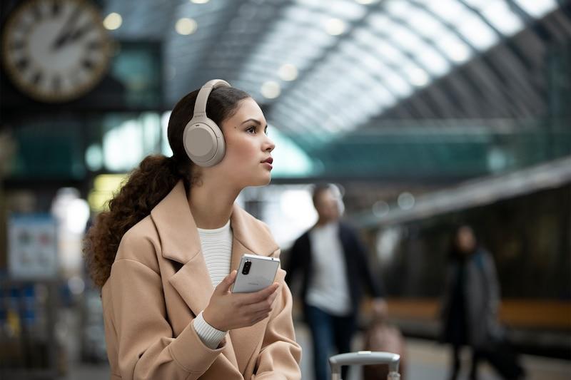 Tips til studentgave - Sony Støydempende Hodetelefoner