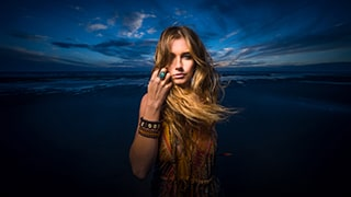 terry-donnelly-sony-alpha-9-lady-on-beach-at-sunset-lit-from-the-front