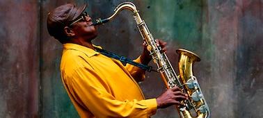 Bild eines Musikers auf einem Konzert
